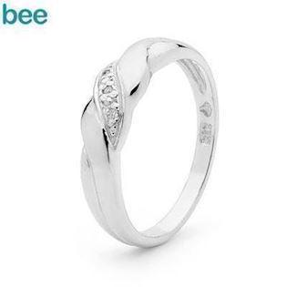 Diamond solitaire ring in 9 ct. white gold