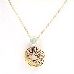 14 carat Italian designed gold flower pendant with chain