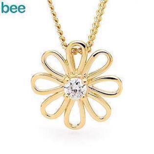 Gold Flower pendant with Zirconia